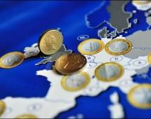 Sondazh, shumica e çekëve kundër euros, sllovakët e mbështesin