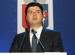 Kryetari-i-Bashkise-se-Tiranes-Lulzim-Basha-300x222