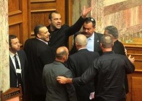 """Greqi, thirrje """"Heil Hitler"""" në parlament"""