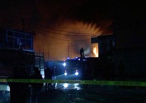 Shëngjin, zjarr në një nga magazinat e stabilimentit të peshkut