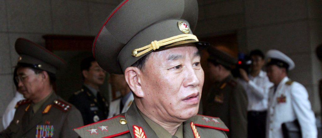 Gjenerali Kim Yong-chol  pritet me protesta