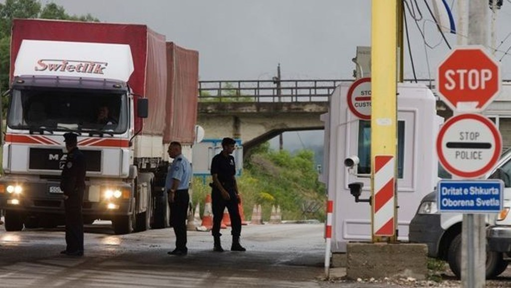 SHBA merr nën kontroll kufijtë shqiptarë për kapjen e çdo personi që ka probleme me ligjin