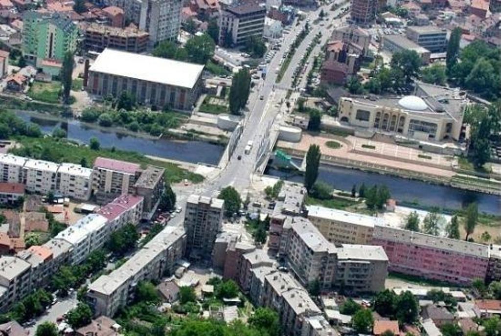 """Serbët i kanë  """"Ujësjellësit"""" në Mitrovicë, 13 milionë euro borxhe"""