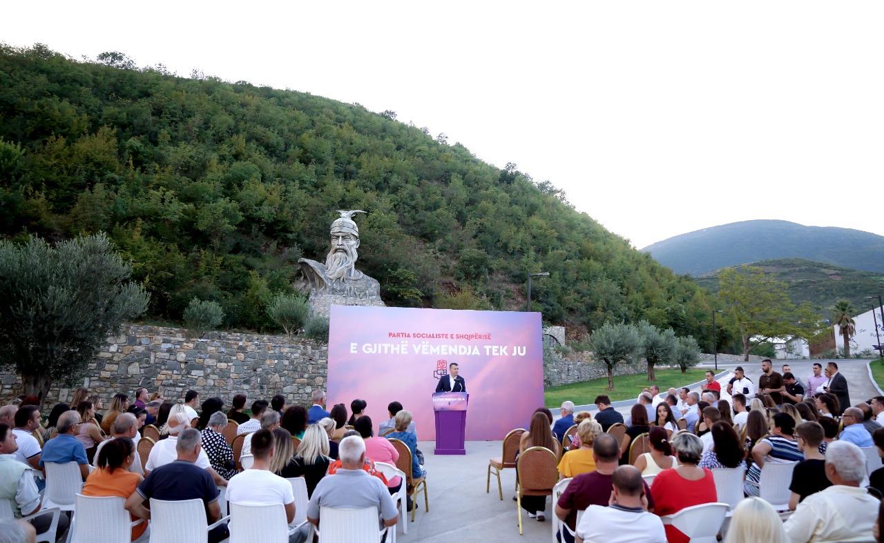 """PS nis nga Elbasani aksionin me moton """"E gjithë vëmendja tek njerëzit"""", Balla: """"Kundërshtari ynë i vetëm politik janë angazhimet tona"""""""