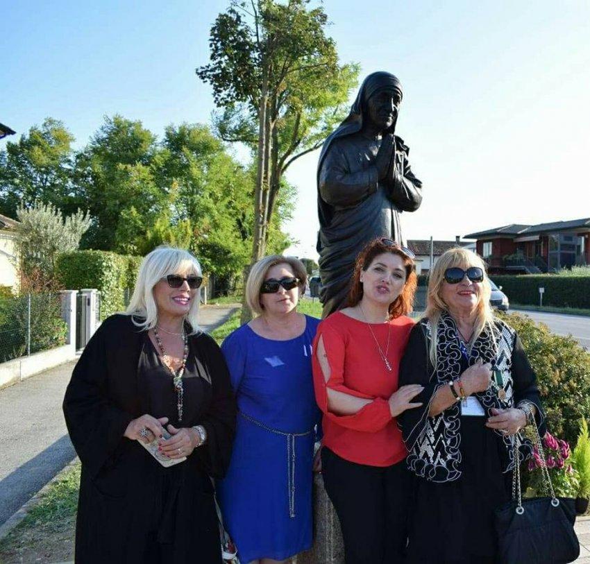 Në Trevizo të Italisë inaugurohet statuja e Nënë Terezës