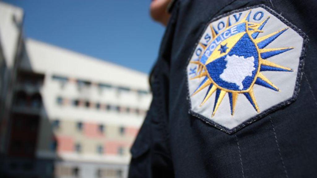 Kosovë, 5 zyrtarë policie abuzuan me një person të komunitetit LGBT