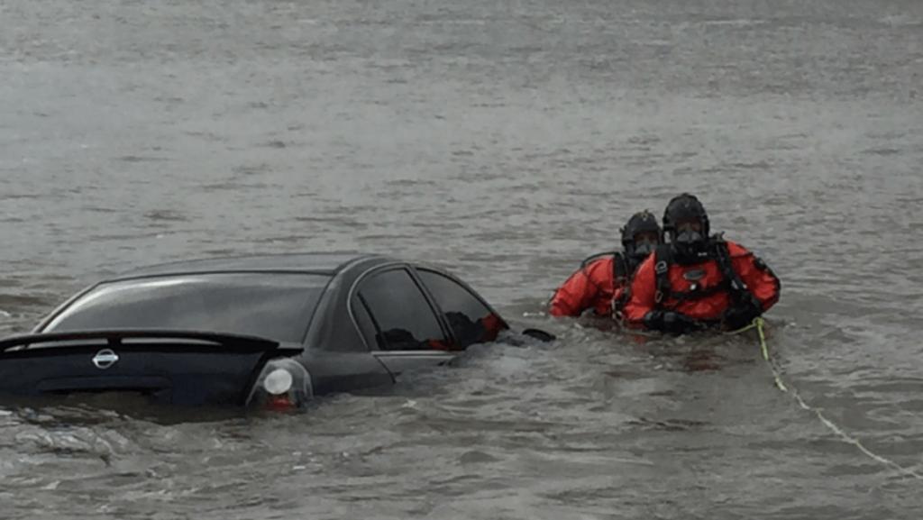 Zbulohet identiteti i shoferit që ka rënë në lumë në Maliq