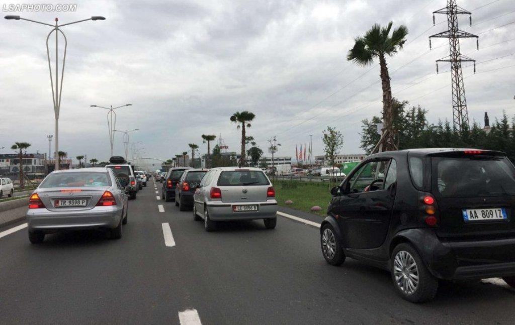 Autostrada Tiranë-Durrës  së shpejti me pagesë