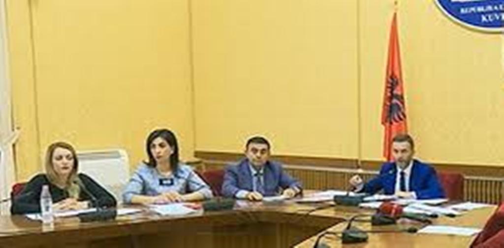 Kuvendi: Afat deri në 30 nëntor 2018 për regjistrimin e lobistëve shqiptarë