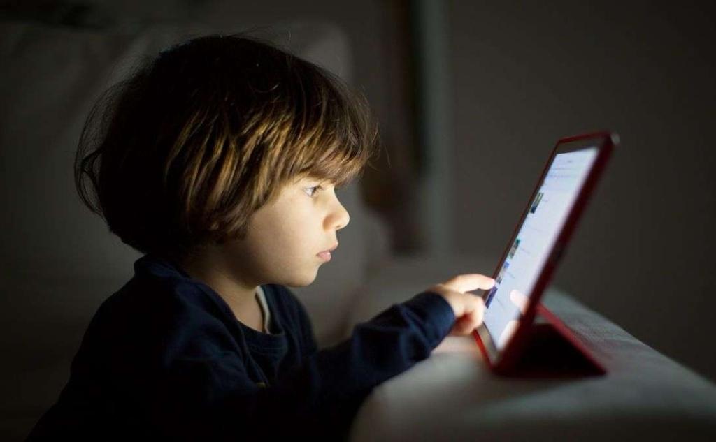 Pajisjet teknologjike dhe ekrani nuk ndikojnë në gjumin e fëmijëve