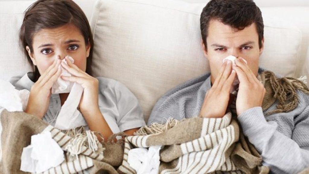 Ja disa ushqime që nuk duhet t'i konsumoni kur jeni me grip