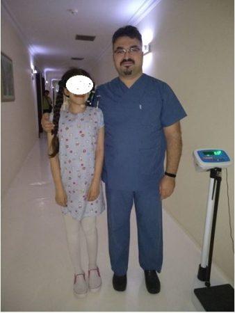 Kirurgji me sukses për vajzën me skoliozë e neurofibromë gjigante