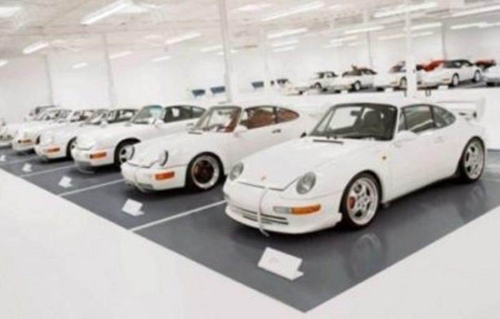 Një koleksioni i veçantë i makinave Porsche
