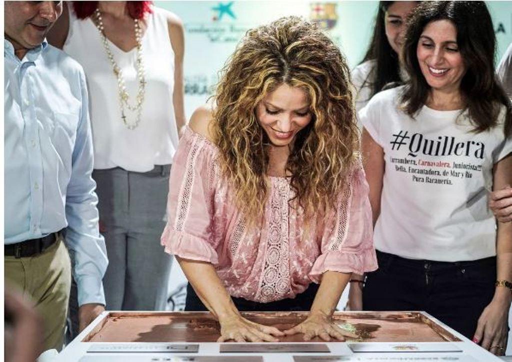 Shakira hap dy shkolla në vendin e saj të lindjes, Kolumbi