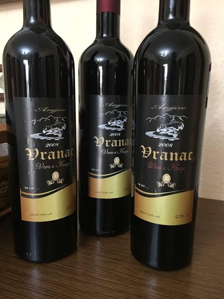 """Kantina e veres """"Argjiro"""" me verë befasuese në Shqipëri, shijojeni"""